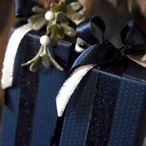 Karton donker blauw